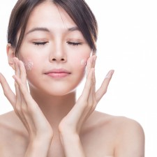 Benefit of using Whitening and nourishing cream